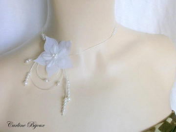 Collection Nude - Collier Fushia et Blanc Fleur soie Papillon