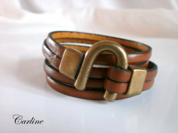 Bracelet cuir marron fermoir U vieil or
